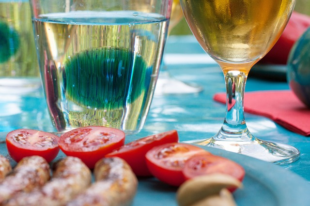 5 Things To Keep In Mind To Host The Best Outdoor Party Ever