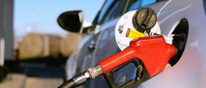 HOW TO DRIVE YOUR CAR EFFICIENTLY AND SAVE A FEW BUCKS