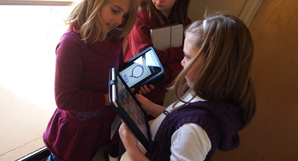 3 Reasons To Not Allow Your Child Under 12 To Use Handheld Devices