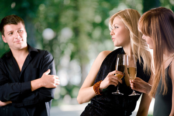 Body Language Tips To Make Anyone Like You
