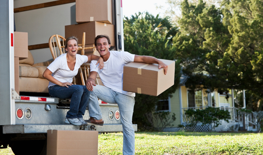 Professional Home Removals Versus DIY – Which Makes More Sense?