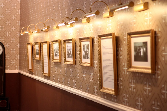 Decorate Your Photos With Custom Photo Frames