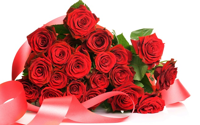 Celebrate Your First Wedding Anniversary by Giving Lovely Flowers