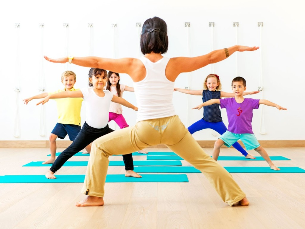 Know About The Basic Apparels & Accessories For Yoga