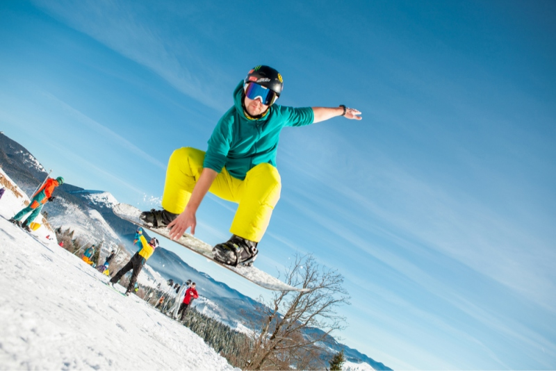 7 Ways To Stay Active During The Winter